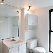 1711h-2-6-bathroom2